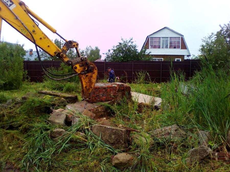 Демонтаж фундамента и расчистка территории на Новой Риге