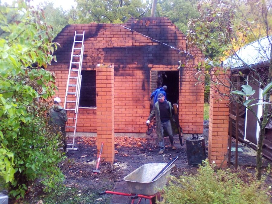 Снос сгоревшей бани в Орлово