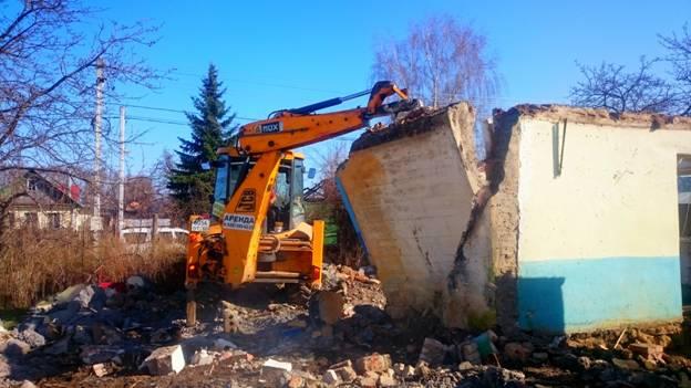 Снос старого дома из керамзитобетонных блоков в деревне Богданиха