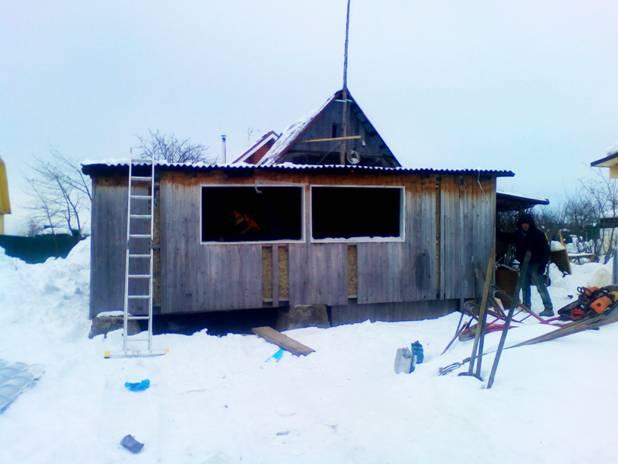 Снос старого дома в деревне «Большее колодези»