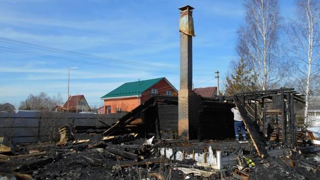 Демонтаж сгоревшего дома в Одинцовском районе