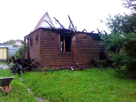 Снос сгоревшего дома в Осташково